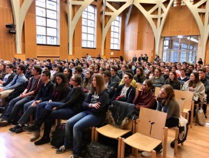Présentation des élèves de 2e ayant participé à l'excursion à Auschwitz