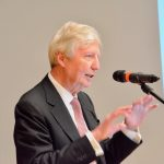 Le prix Nobel Jules Hoffmann rencontre les élèves du LGL