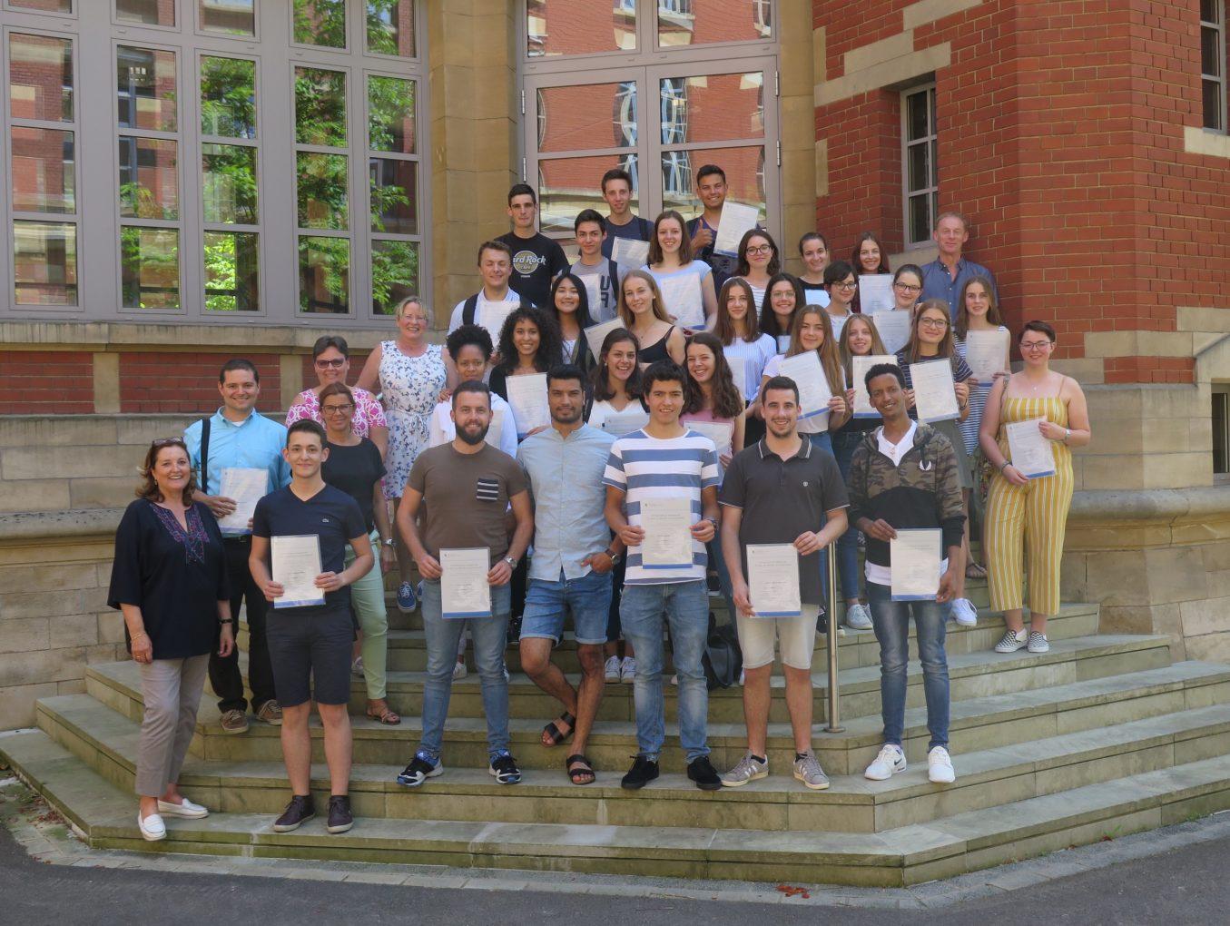 35 Éischt-Hëllef-Diplomer am Lycée de Garçons Lëtzebuerg