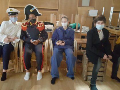 A vos masques! Le théâtre continue au LGL.